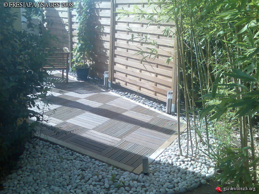 Creation terrasse caillebotis pose ecran bois creation jardin les galeries photo de - Terrasse jardin caillebotis ...