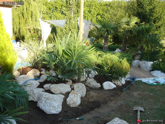 Rocaille en cours de creation ammenagements jardin les for Exemple de rocaille