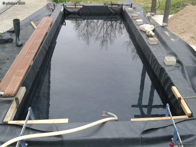 Construction d 39 un bassin for Bache a bassin epdm